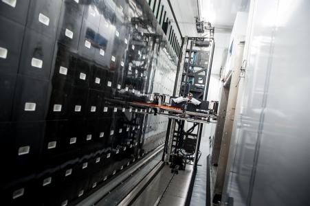 INRAE / La salle de biobanking robotisée de SAMBO avec une capacité de 600000 échantillons de feces et d'ADN de microbiotes ».